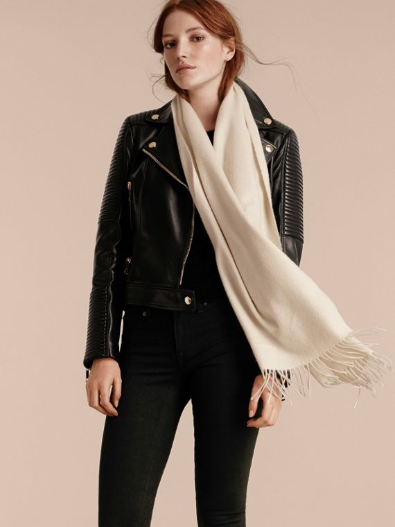 The Classic Cashmere Scarf in Natural White | Burberry - cell image 2