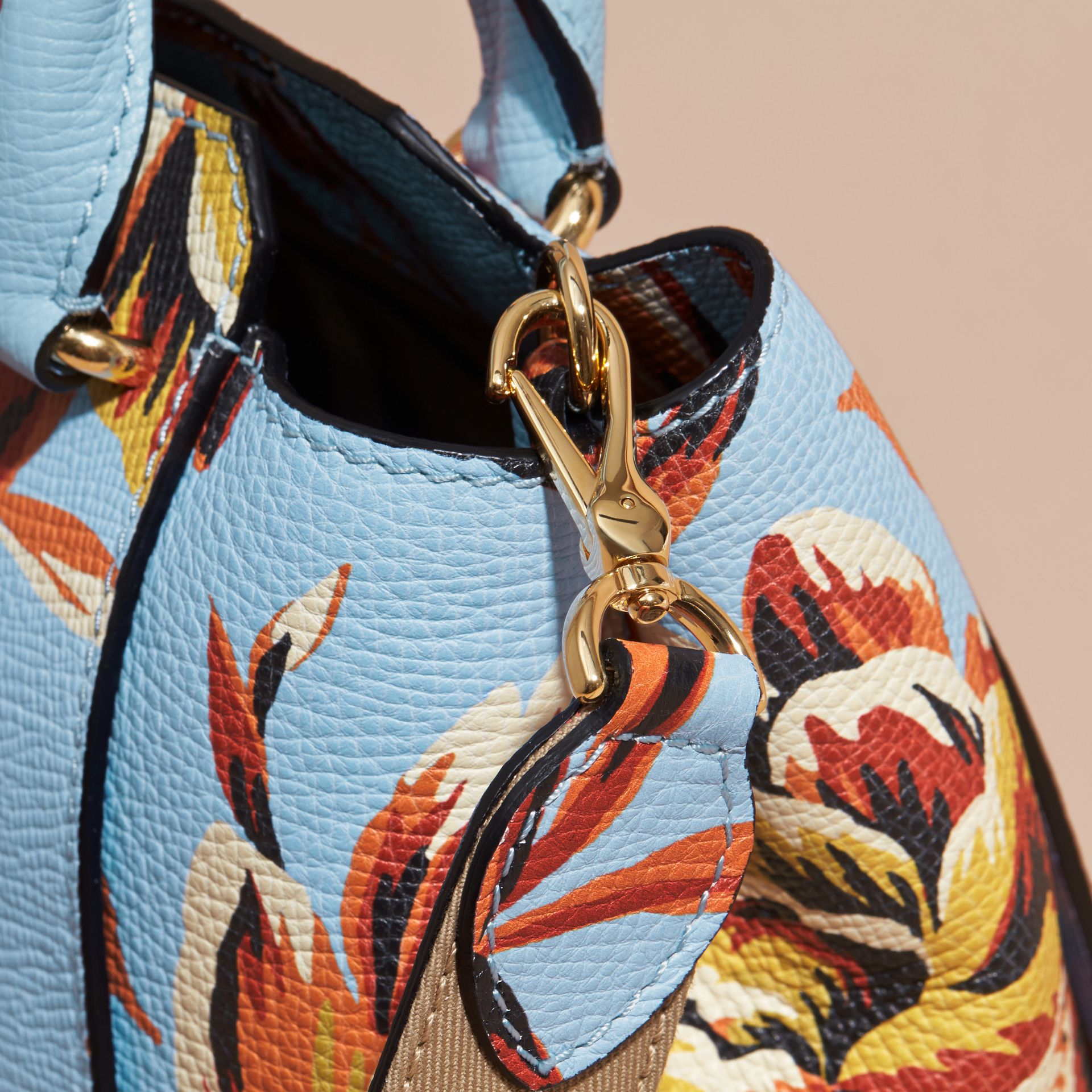 The Medium Buckle Tote in Peony Rose Print Leather in Pale Blue/vibrant Orange - gallery image 2