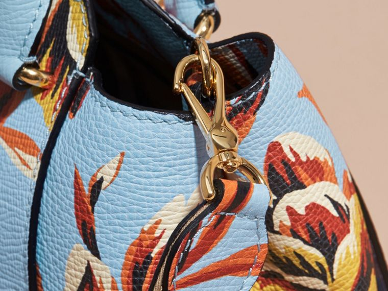 The Medium Buckle Tote in Peony Rose Print Leather in Pale Blue/vibrant Orange - cell image 1