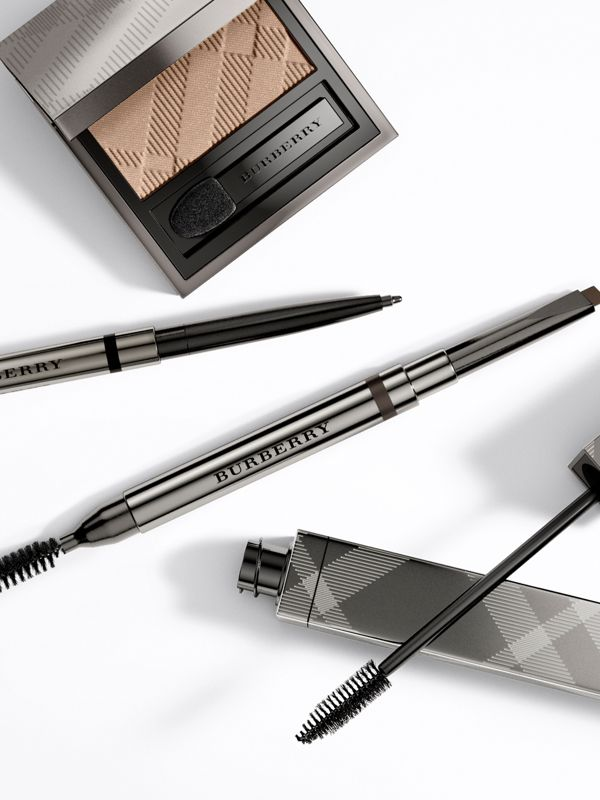 Контурный карандаш Effortless Kohl Eyeliner, Jet Black № 01 (№ 01) - Для женщин | Burberry - cell image 2
