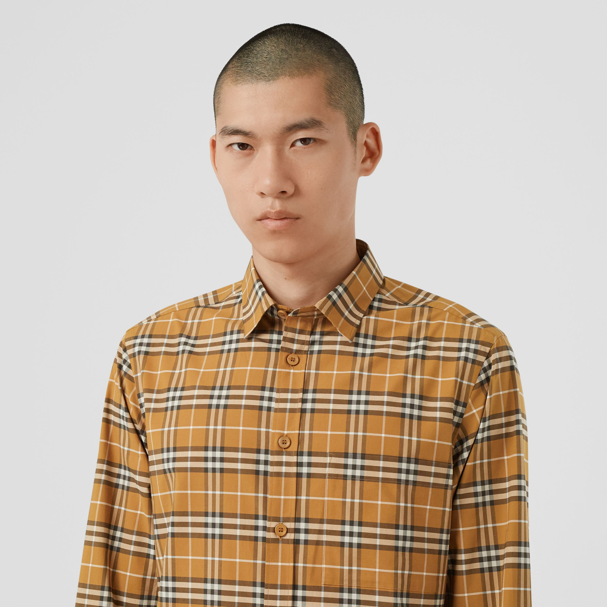 Small Scale Check Stretch Cotton Shirt in Bright Toffee - Men | Burberry Hong Kong S.A.R. - 2