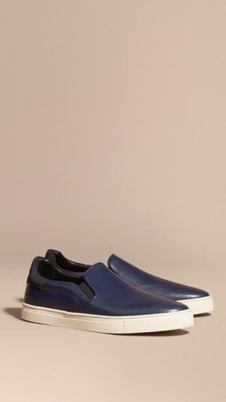 Sneaker senza lacci in pelle con motivo check in rilievo