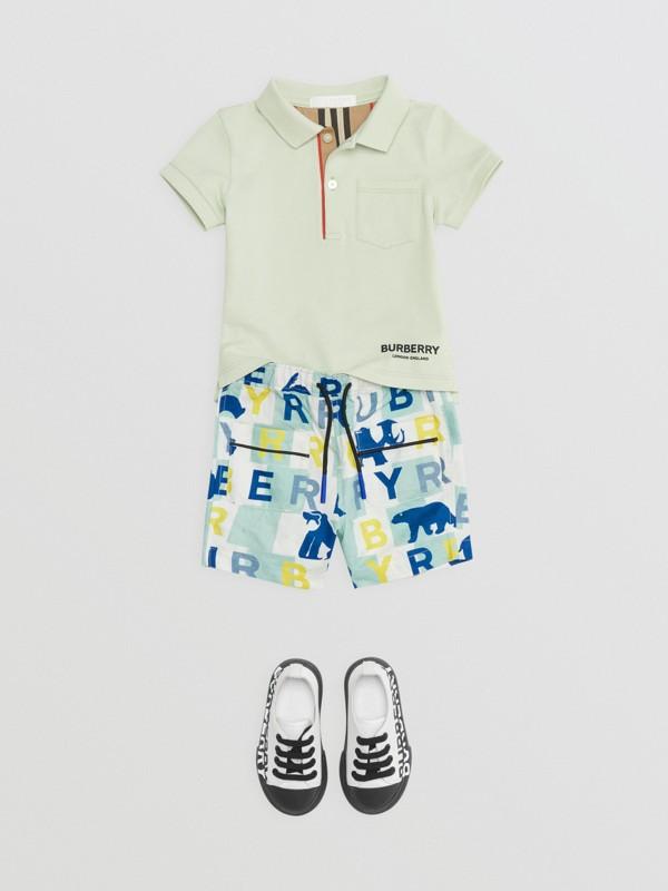 Polo in cotone piqué con iconico motivo a righe sulla paramontura (Menta Pallido) - Bambino | Burberry - cell image 2