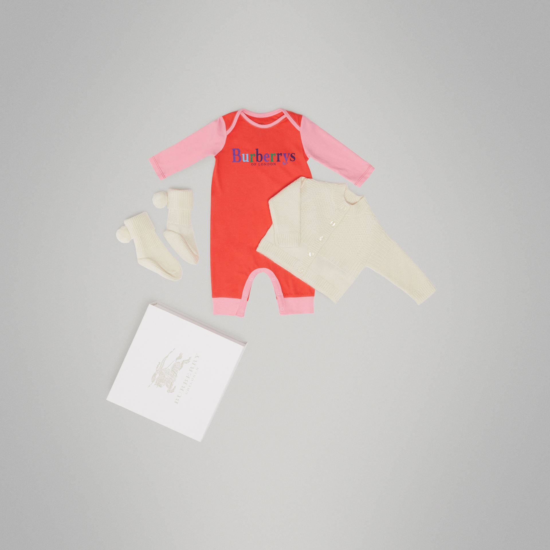 Cashmere and Cotton Three-piece Baby Gift Set in Ivory - Children | Burberry United States - gallery image 0