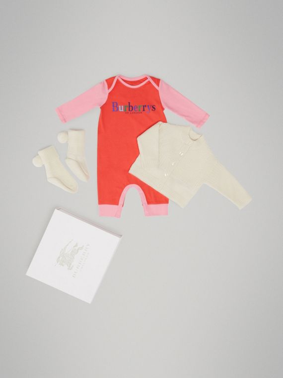 Cashmere and Cotton Three-piece Baby Gift Set in Ivory