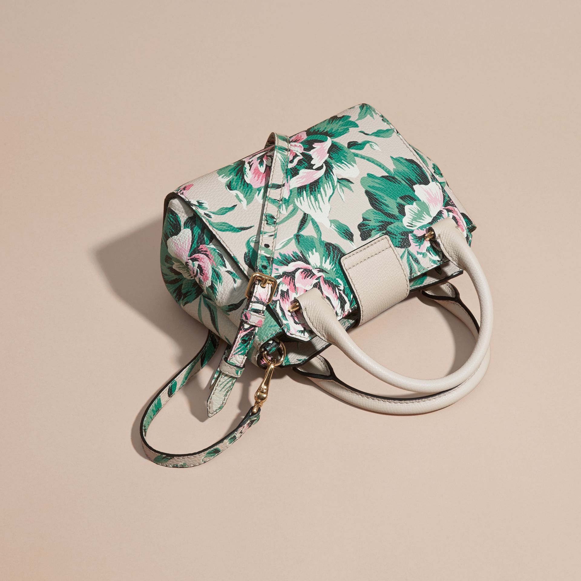 The Small Buckle Tote in Peony Rose Print Leather in Natural/emerald Green - gallery image 5