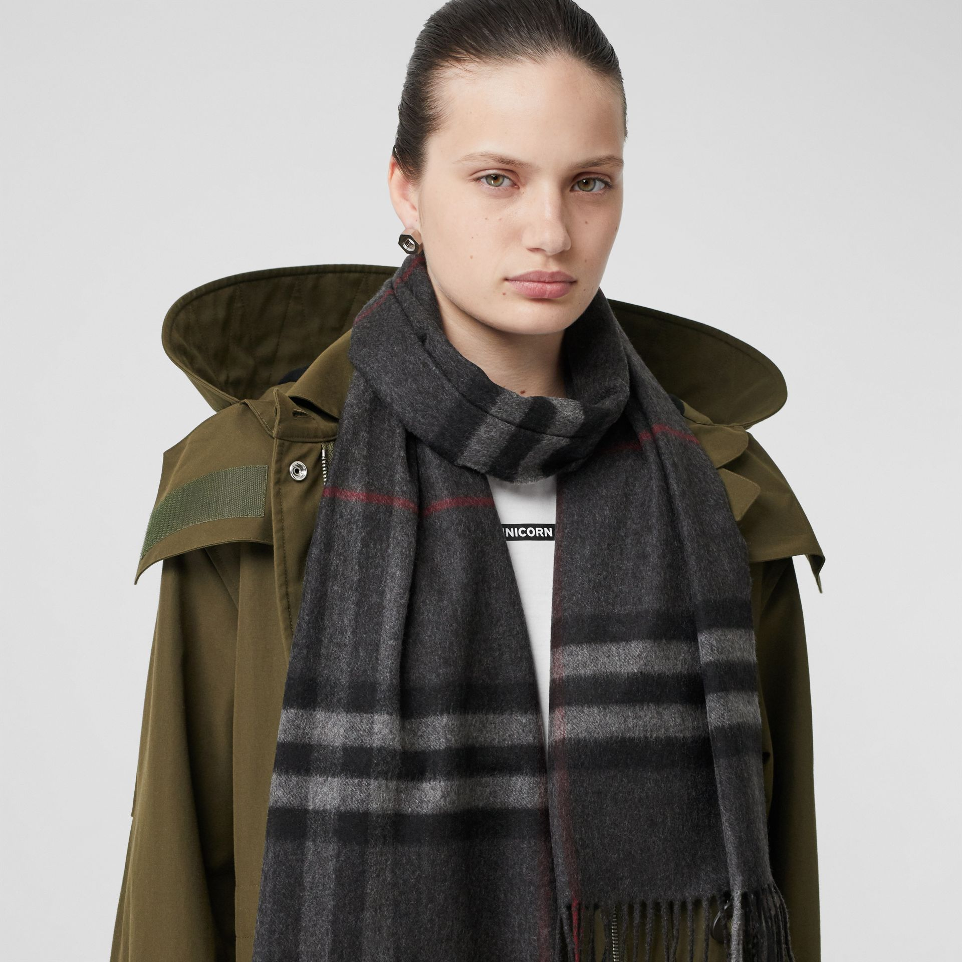 The Classic Check Cashmere Scarf in Charcoal | Burberry Australia - gallery image 2