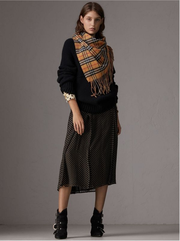 The Burberry Bandana in cashmere con motivo Vintage check