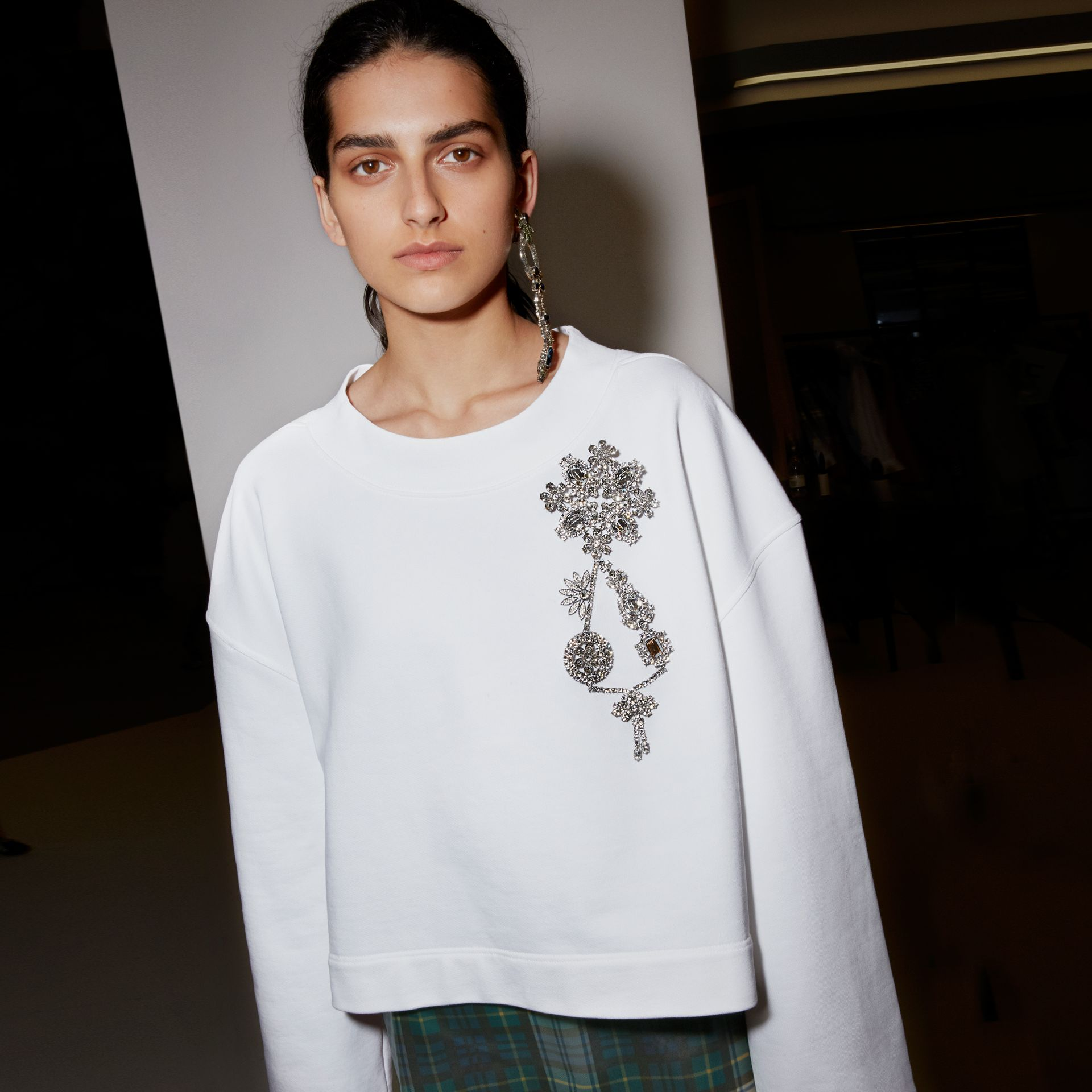 Cropped Sweatshirt with Crystal Brooch in Optic White - Women | Burberry Hong Kong - gallery image 3