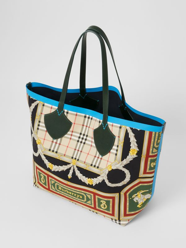 The Giant Reversible Tote in Archive Scarf Print Cotton in Dark Forest Green/burgundy - Women | Burberry - cell image 2