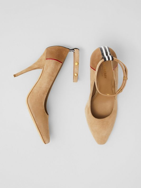 Triple Stud Stripe Detail Suede Point-toe Pumps in Tawny