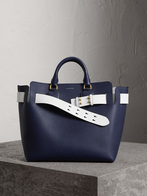 Sac The Belt moyen en cuir (Bleu Régence)