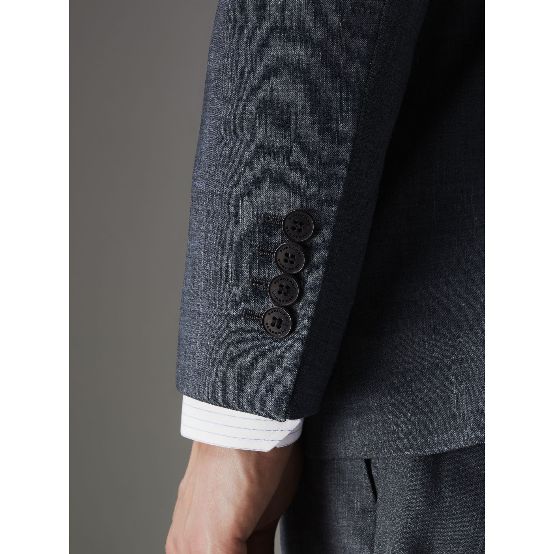 Soho Fit Three-piece Linen Wool Suit in Pale Slate Blue - Men | Burberry - gallery image 5