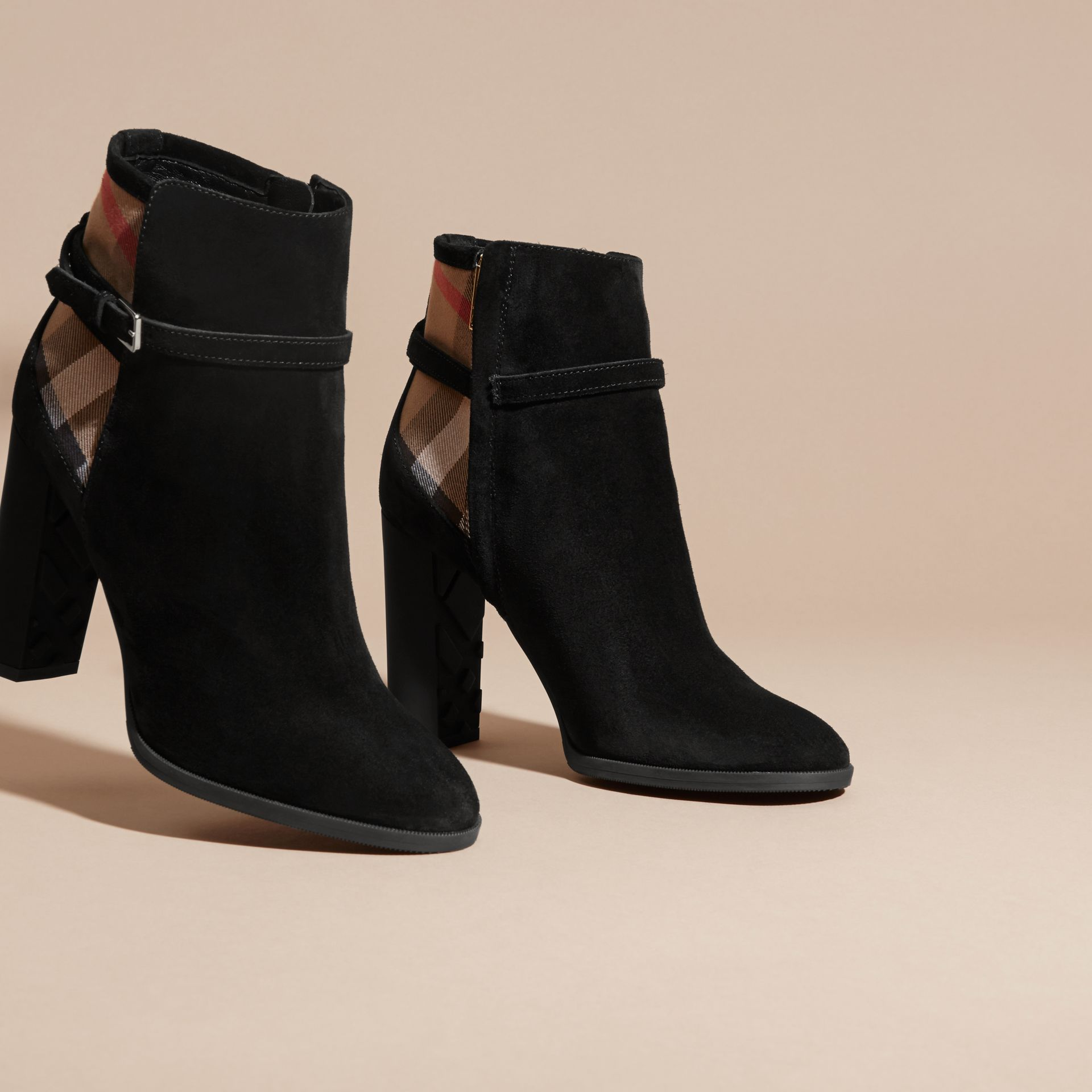 Noir Bottines en cuir velours avec motif House check - photo de la galerie 3