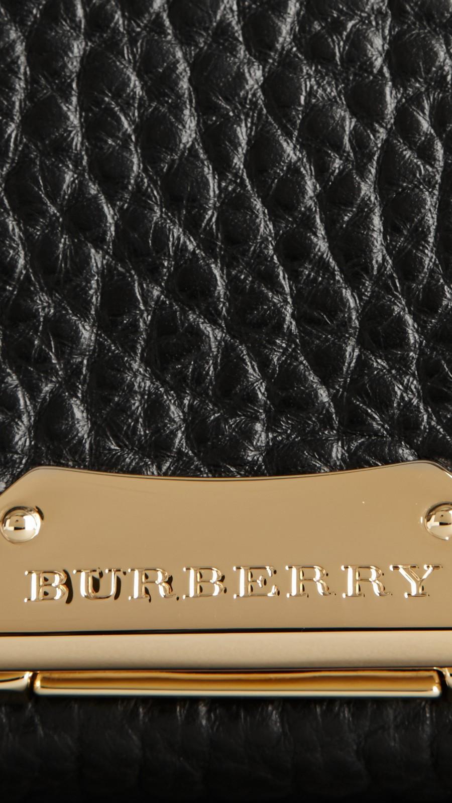 Black Medium Signature Grain Leather Clutch Bag Black - Image 2