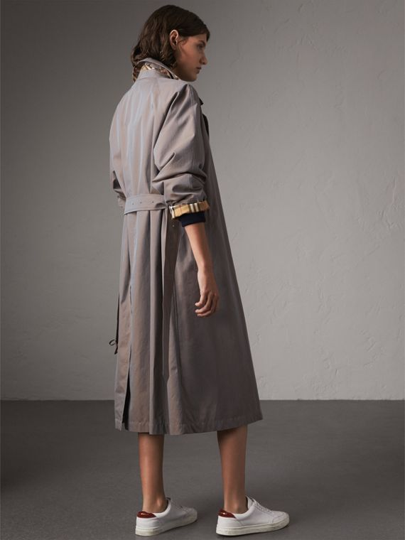 The Brighton – Extra-long Car Coat in Lilac Grey - Women | Burberry Singapore - cell image 2