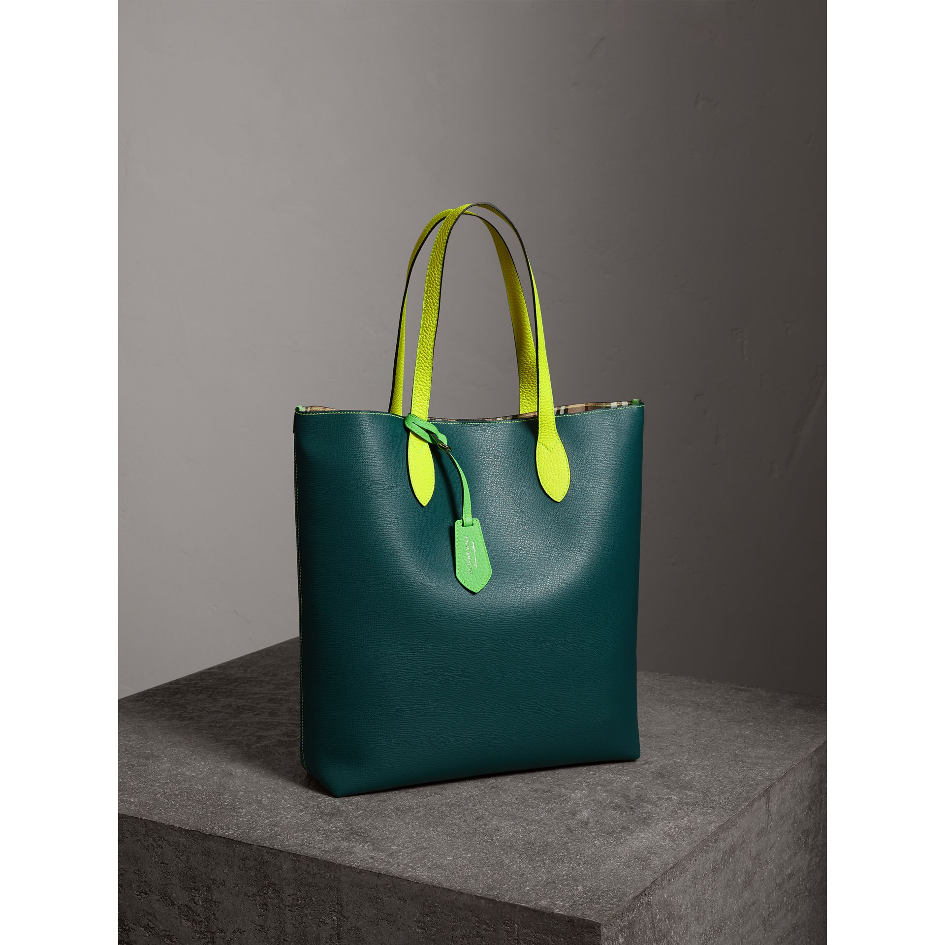 Medium Two-tone Coated Leather Tote in Dark Teal | Burberry United States - gallery image 5