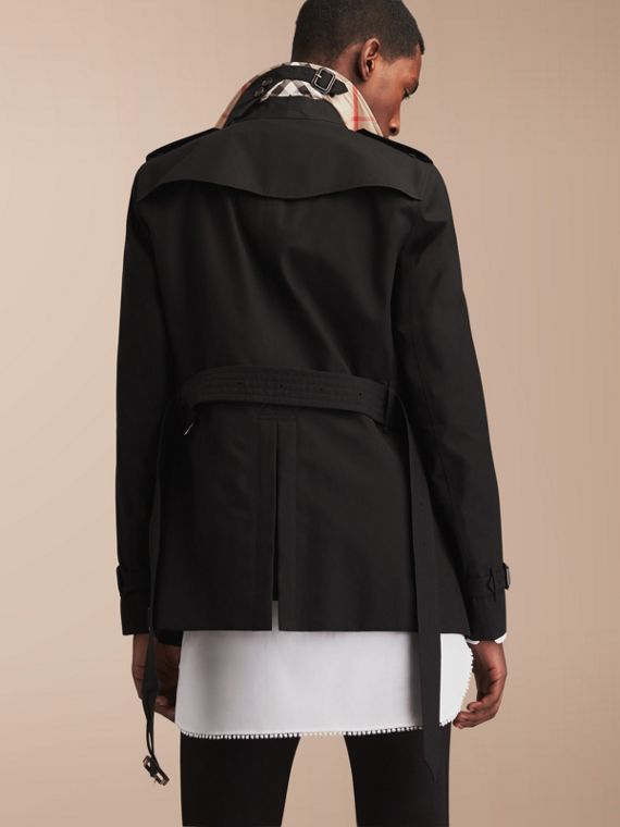 The Chelsea – Short Heritage Trench Coat in Black - cell image 2