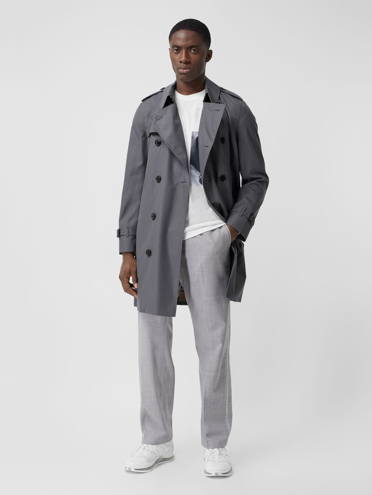 The Mid-length Chelsea Heritage Trench Coat in Mid-grey
