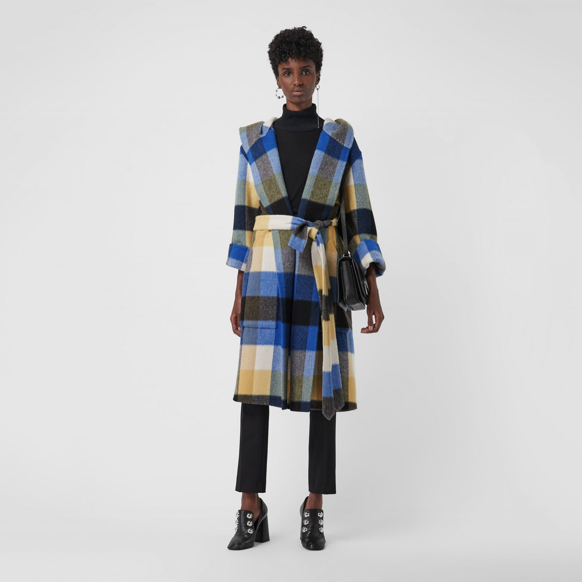 Check Oversized Dressing Gown Coat in Ochre Yellow - Women | Burberry United Kingdom - gallery image 4