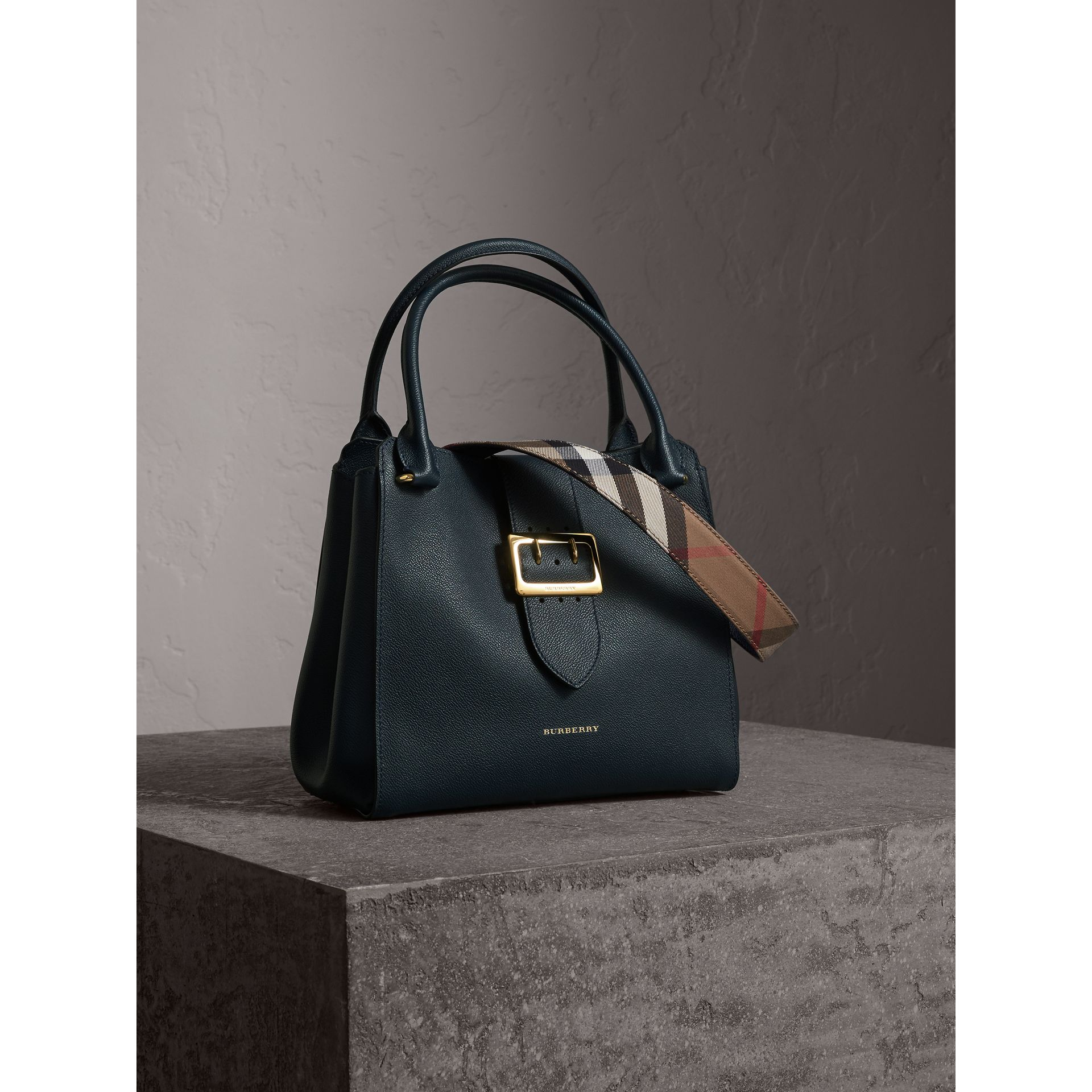 The Medium Buckle Tote in Grainy Leather in Blue Carbon - Women | Burberry Canada - gallery image 8