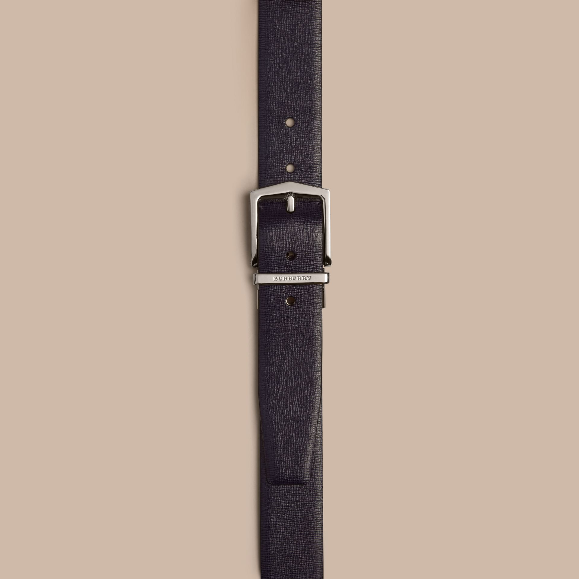 Reversible London Leather Belt in Dark Navy/black - gallery image 2
