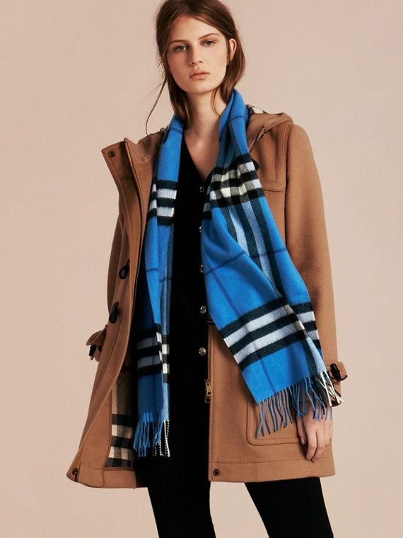 The Classic Cashmere Scarf in Check  Bright Cornflower Blue - cell image 2