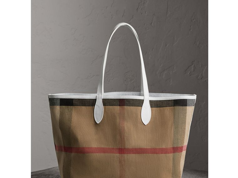 The Large Reversible Doodle Tote in White - Women | Burberry - cell image 4