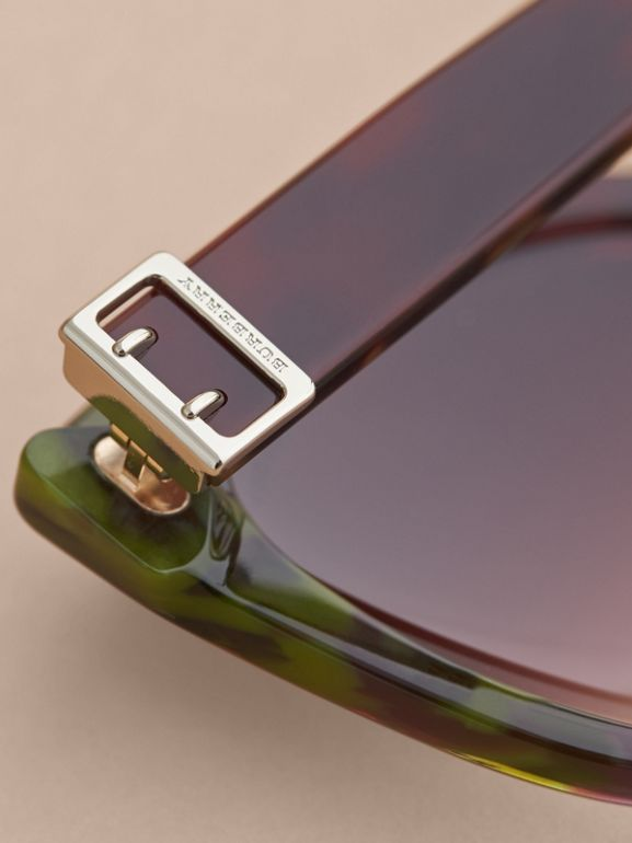 Buckle Detail Cat-eye Frame Sunglasses in Cardinal Red - Women | Burberry Canada - cell image 1
