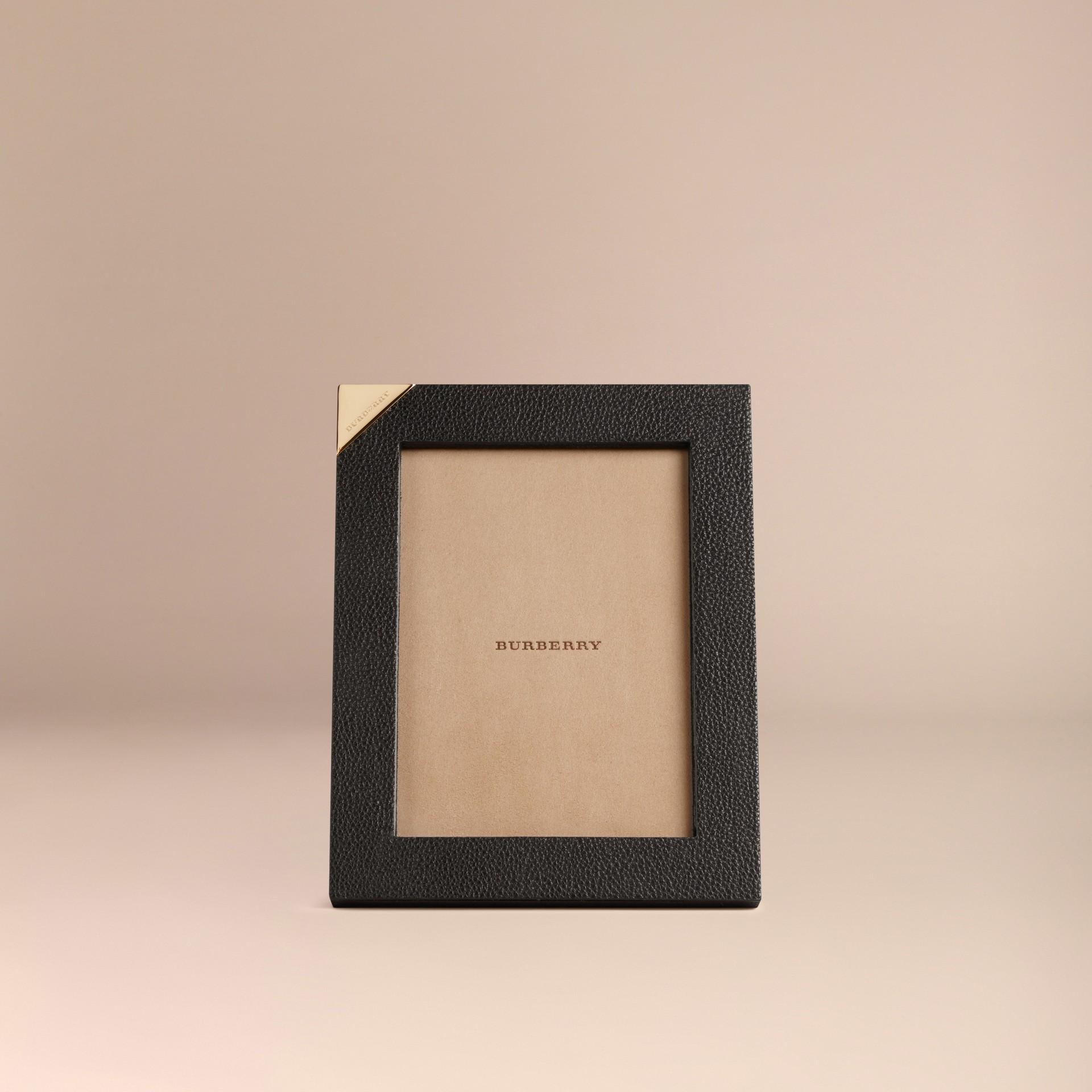 Schwarz Mittelgroßer Bilderrahmen aus genarbtem Leder Schwarz - Galerie-Bild 2