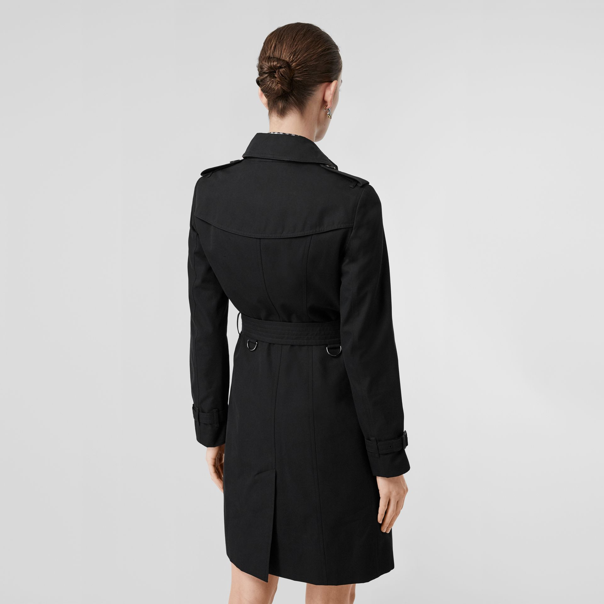 The Sandringham – Long Trench Coat in Black - Women | Burberry Singapore - gallery image 2