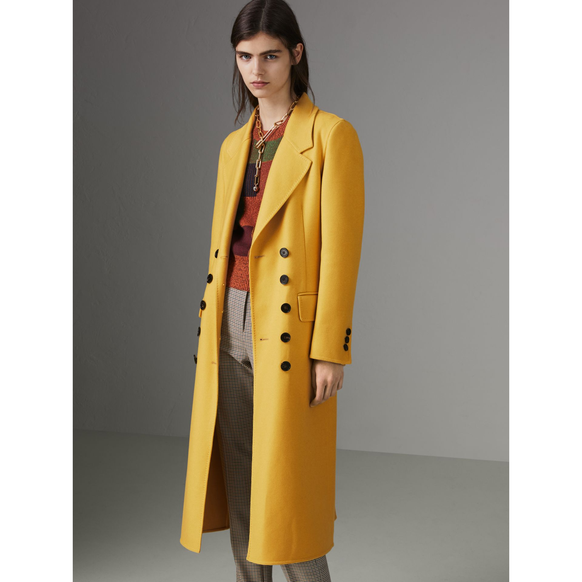 Double-breasted Cashmere Tailored Coat in Ochre Yellow - Women | Burberry United Kingdom - gallery image 4