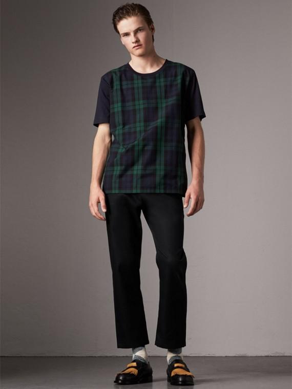 T-shirt in cotone con inserto tartan (Navy)