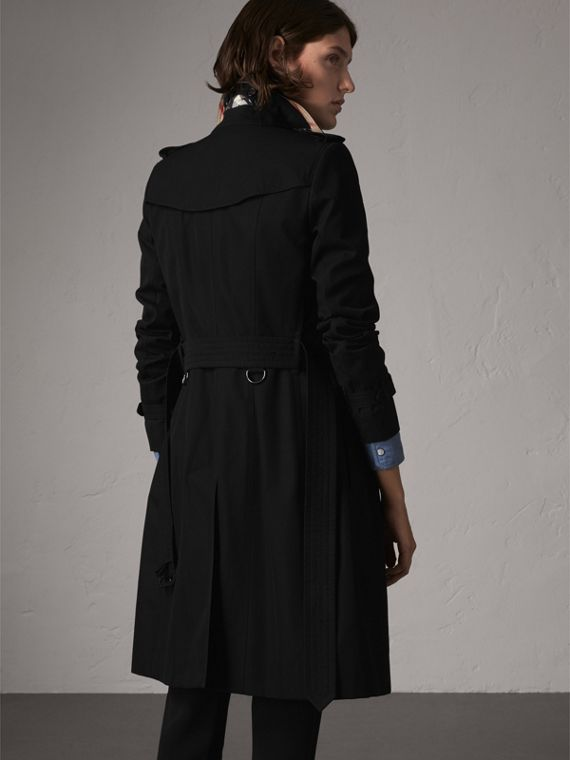 The Chelsea – Long Heritage Trench Coat in Black - Women | Burberry Hong Kong - cell image 2