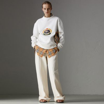 Unisex Crest-Embroidered Round-Neck Sweatshirt in White
