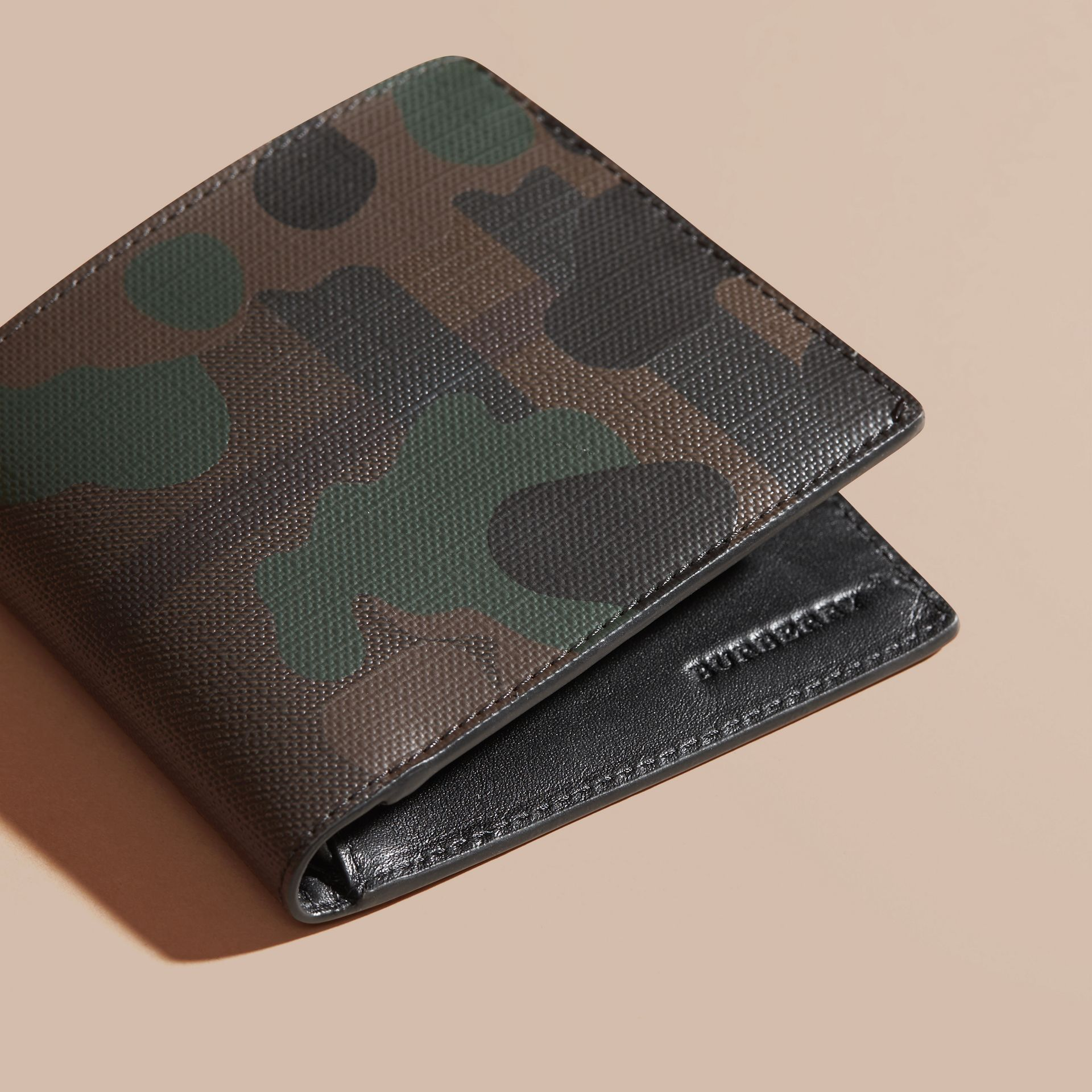 Chocolate/camouflage Camouflage and London Check Folding Wallet - gallery image 3