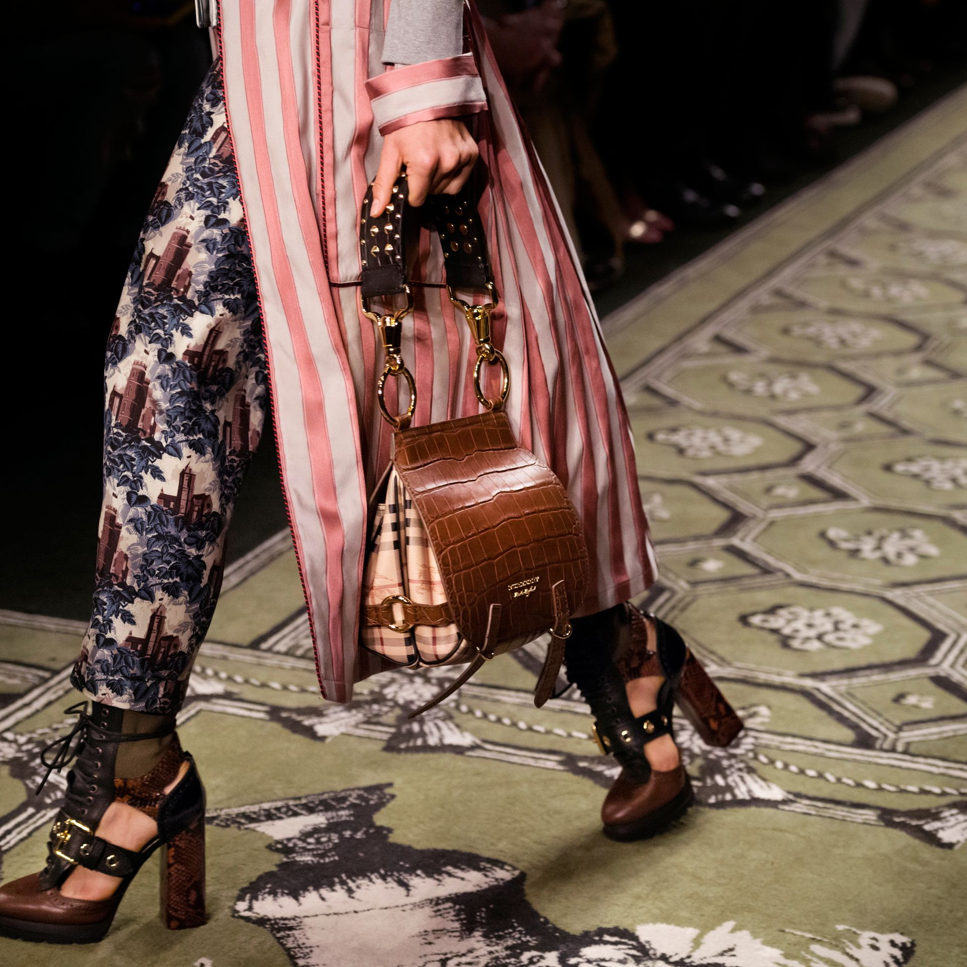 The Bridle Bag in Alligator and Haymarket Check in Russet Brown - Women | Burberry - gallery image 8