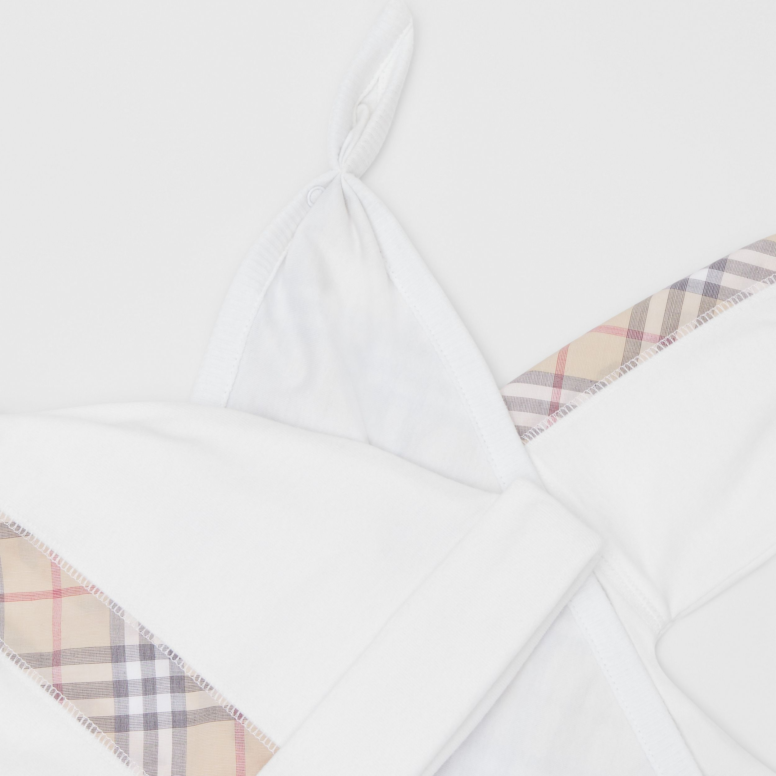 Check Detail Cotton Three-piece Baby Gift Set in White - Children | Burberry Australia - 2
