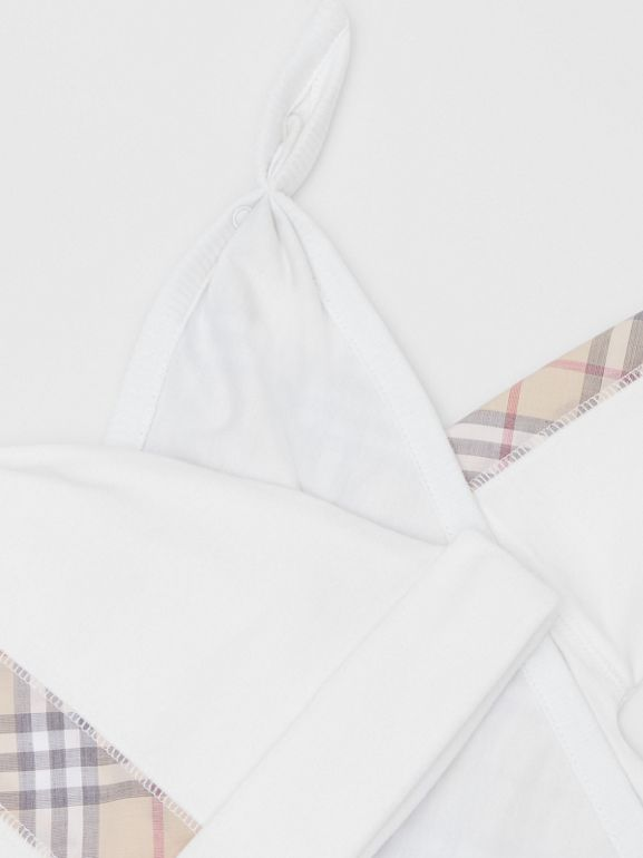 Check Detail Cotton Three-piece Baby Gift Set in White - Children | Burberry United States - cell image 1