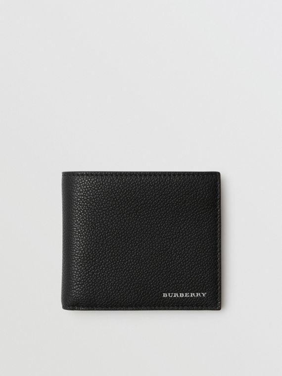 Grainy Leather International Bifold Wallet in Black