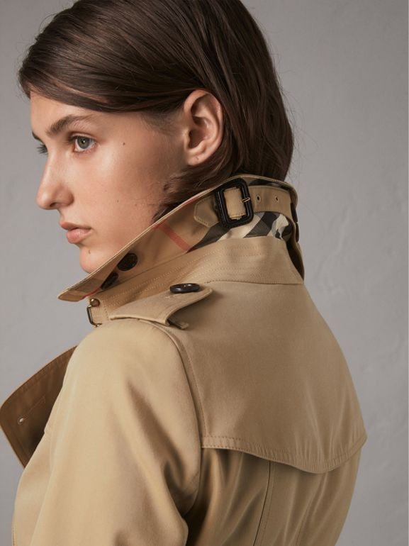 The Chelsea – Mid-length Trench Coat in Honey - Women | Burberry United States - cell image 1