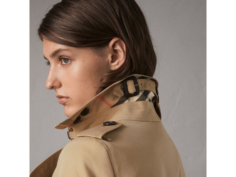 The Chelsea – Mid-length Trench Coat in Honey - Women | Burberry Singapore - cell image 1