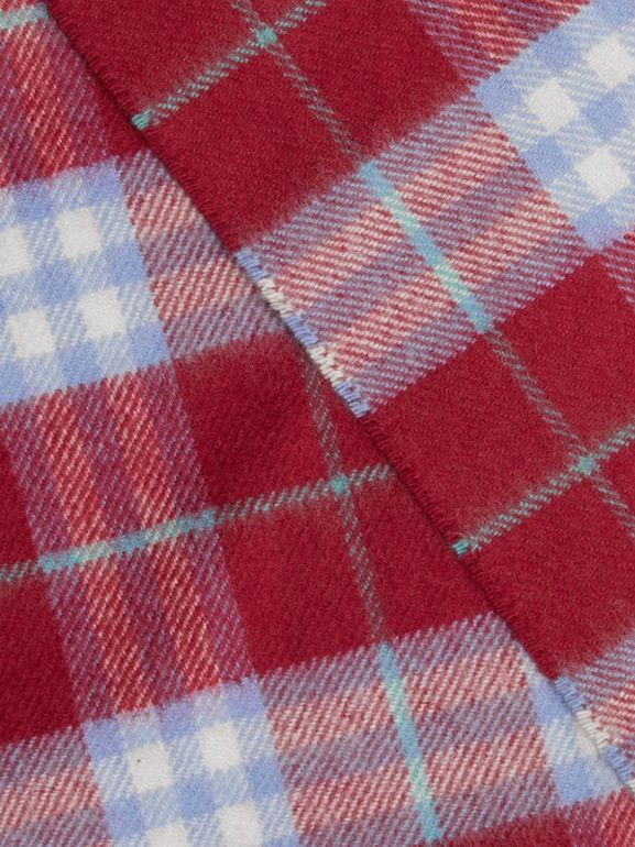 The Classic Vintage Check Cashmere Scarf in Damson Pink | Burberry - cell image 1