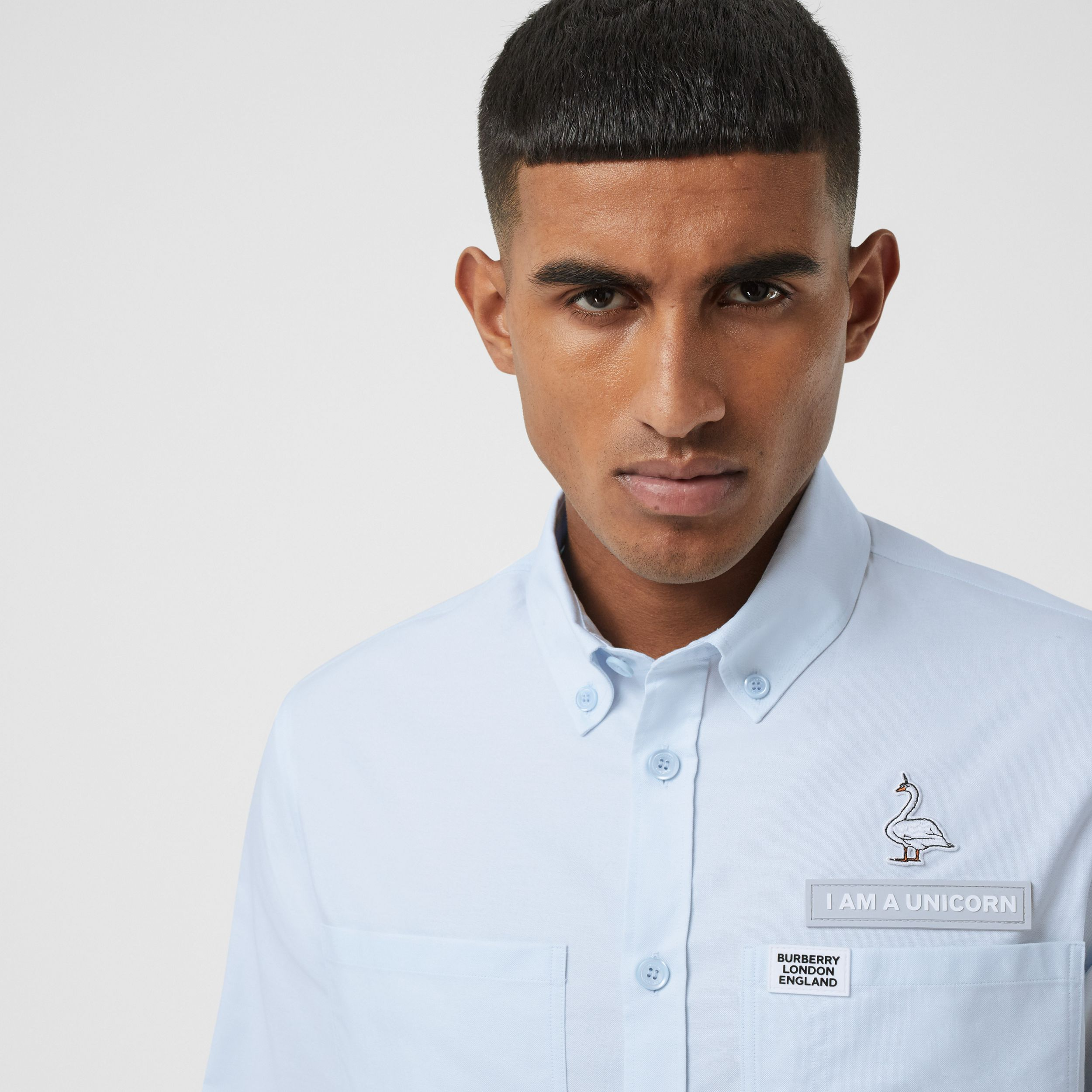 Swan and Slogan Appliqué Cotton Oversized Shirt in Sky Blue - Men | Burberry - 2