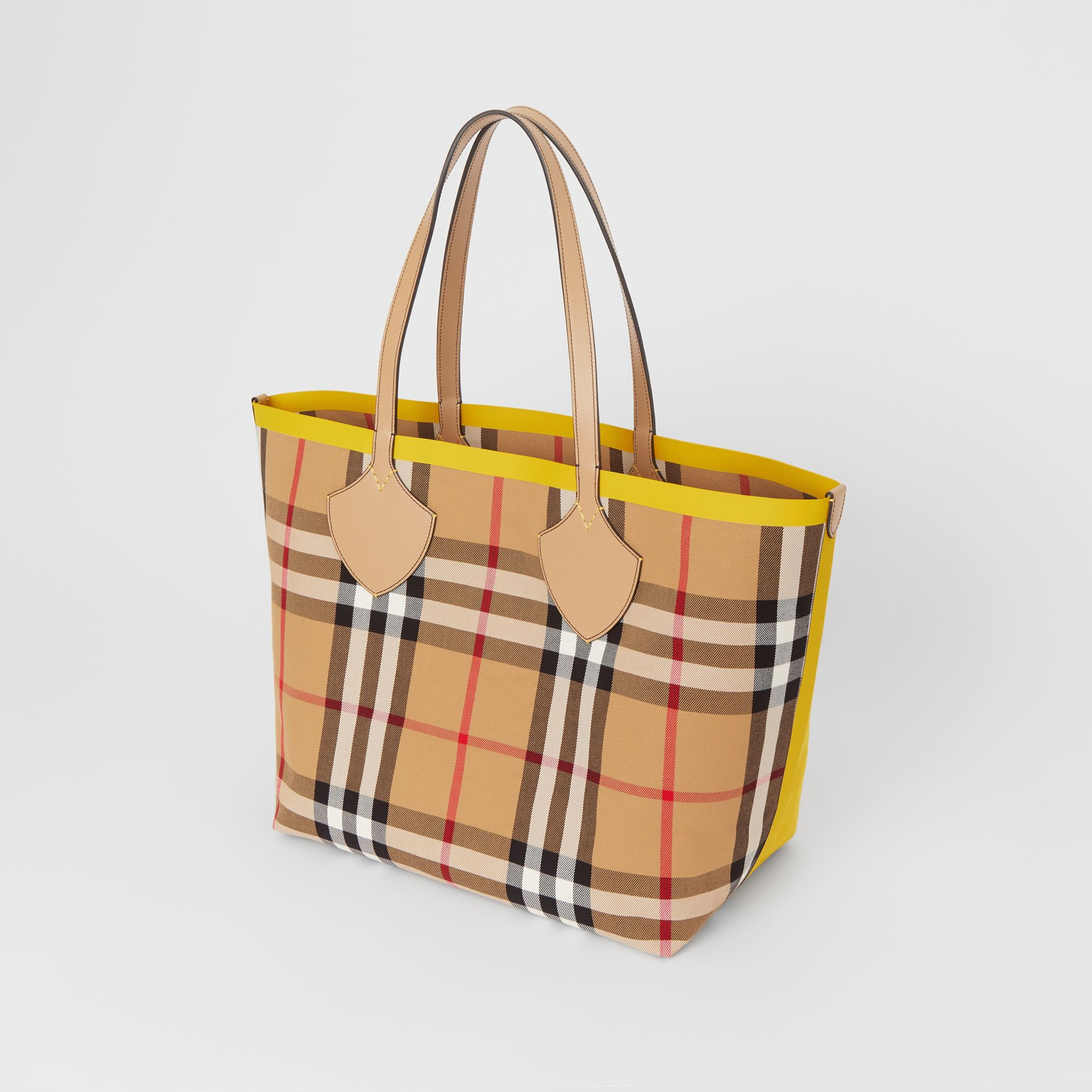 The Large Giant Tote in Colour Block Check in Antique Yellow/golden Yellow | Burberry - gallery image 3