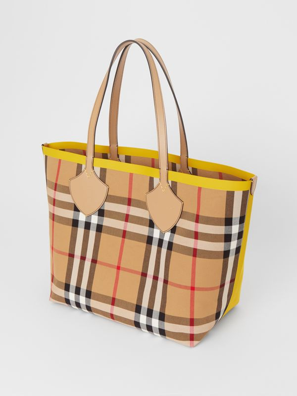 The Large Giant Tote in Colour Block Check in Antique Yellow/golden Yellow | Burberry - cell image 3