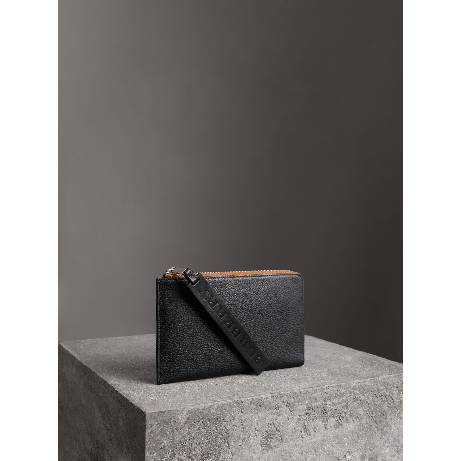 Two-tone Grainy Leather Travel Wallet in Black - Men | Burberry - gallery image 7