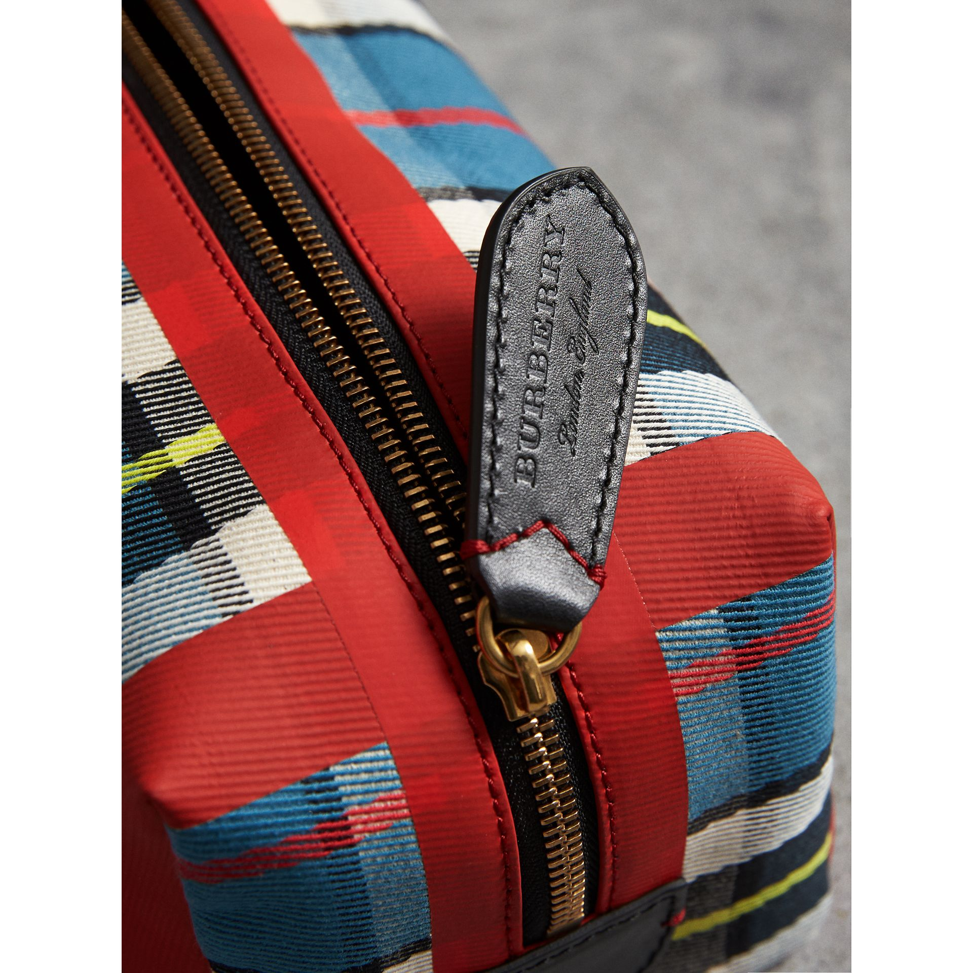 Tartan Cotton Pouch in Blue | Burberry Hong Kong - gallery image 1