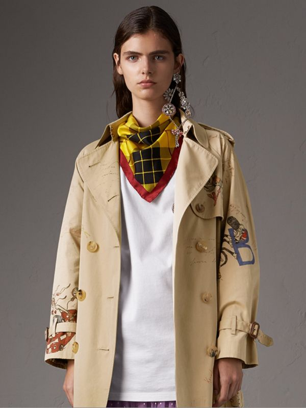 The Burberry Bandana in Check Silk in Vibrant Yellow | Burberry - cell image 2
