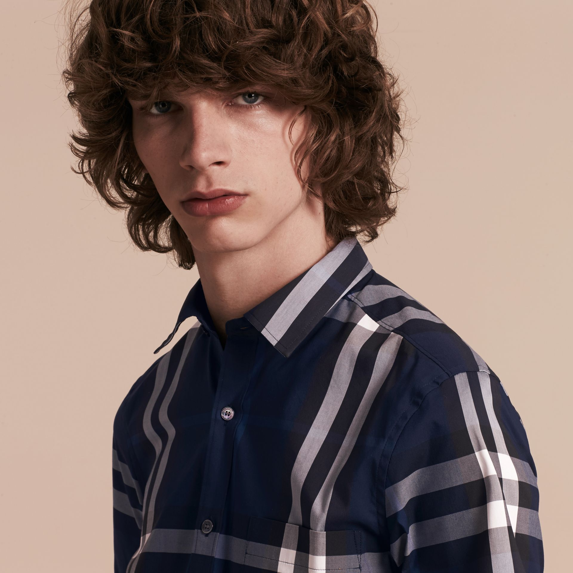 Short-sleeved Check Stretch Cotton Shirt in Indigo Blue - Men | Burberry Canada - gallery image 5